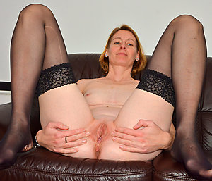 Free amateur mature pussies pictures