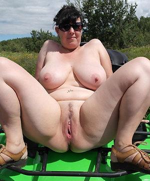 Private amature mature pussy pics