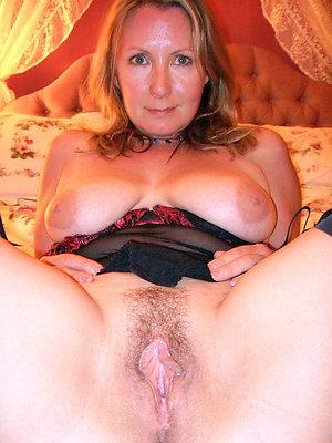 Xxx mature pussy solo amateur pictures