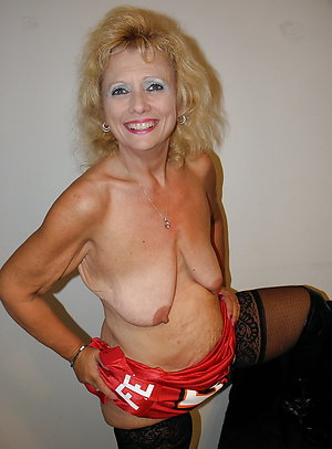 Free mature women saggy tits