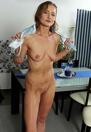 Slutty moms saggy tits pictures