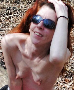 Pretty older mom saggy boobs pics