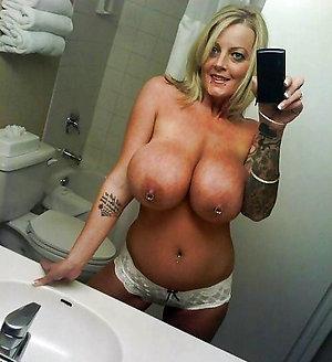 Amateur pics of beautiful nude mature women