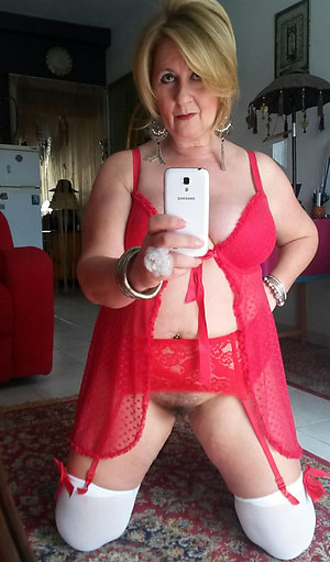 Inexperienced old lady sexy selfies pictures