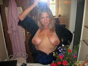 Amazing selfies sexy mature girls
