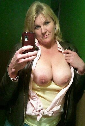 Best pics of selfshot mature pussy