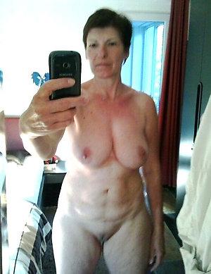 Xxx mature women strip nude selfshots