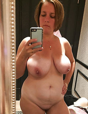 Sexy horny selfshot mature pussy