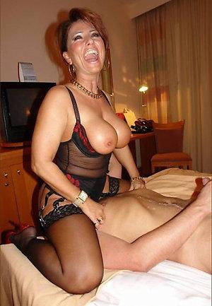 Homemade mature mom sex pics