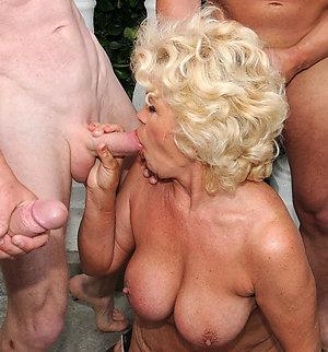 Free pics of mature woman sex