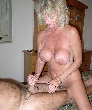 Free mature woman having sex amateur pic