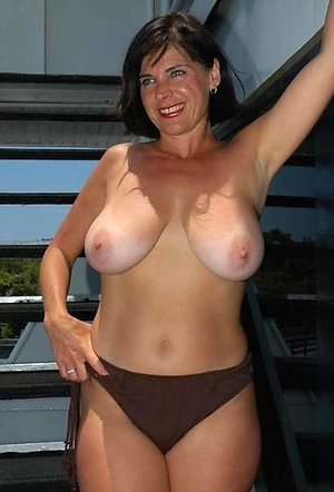 Super-sexy mature panty pictures