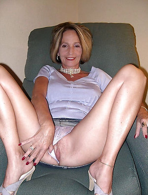 Best free mature women panties poctures