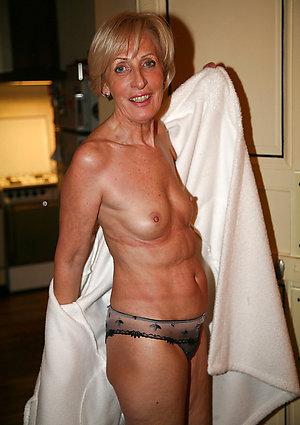 Free hot ladies in panties pics