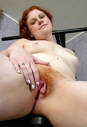 Lovely redhead mature milf pussy