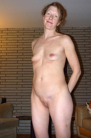 Free amateur naked mature redheads photos