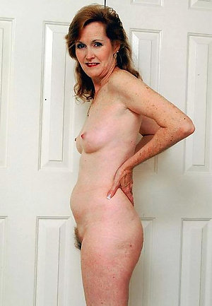 Amateur pics of nude mature redhead