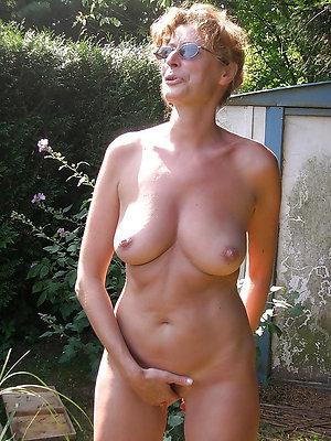 Real redhead women posing nude