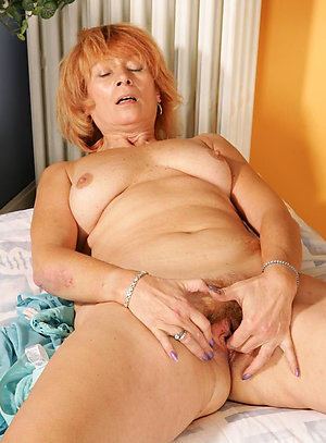 Busty mature redhead porn galleries