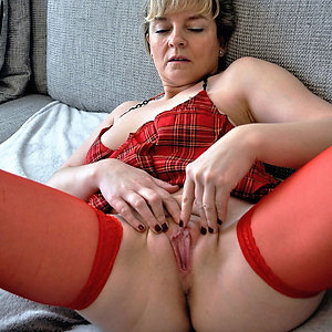 Hotties older women with bold pussy pics