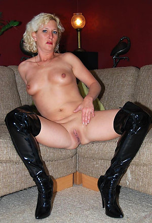 Private homemade shaved mature pics