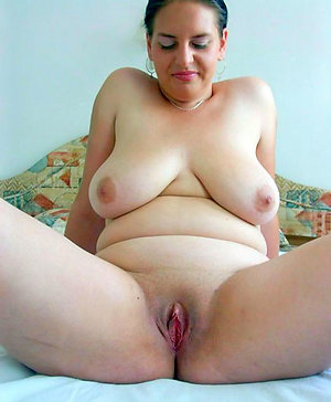 Slutty shaved mature women pics