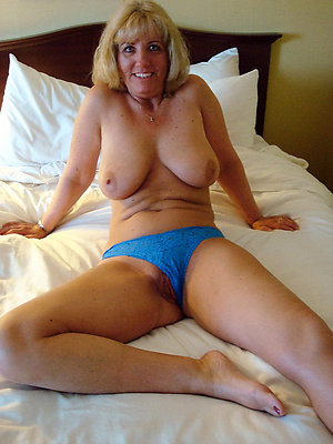 Homemade old women with shaved pussies