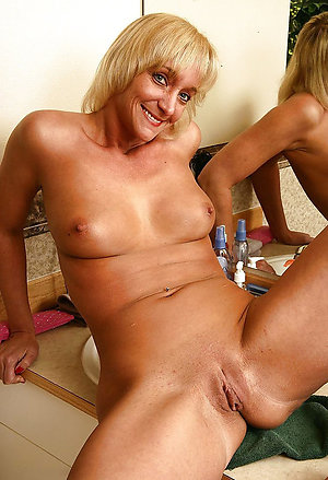 Inexperienced old shaved vagina pictures