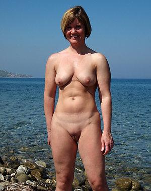 Nude mature shaved vagina pics