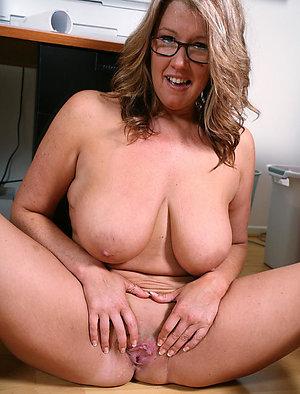 Naughty nude shaved older women xxx