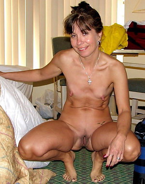 Homemade pics of mature skinny blonde