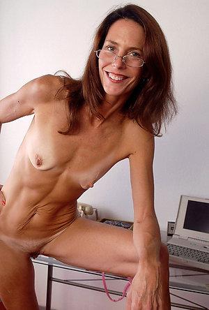 Amazing mature skinny milf pictures