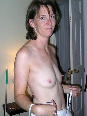 Pretty mature small tits pics
