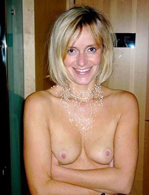 Sweet small tits mature women pics