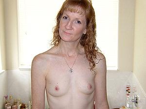 Pretty nude women small tits pics