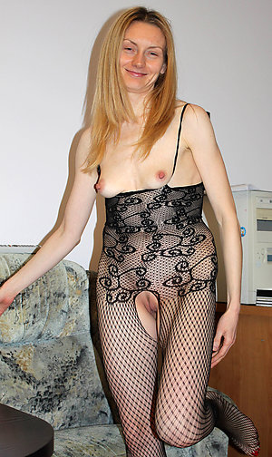 Free pics of older wifes small tits
