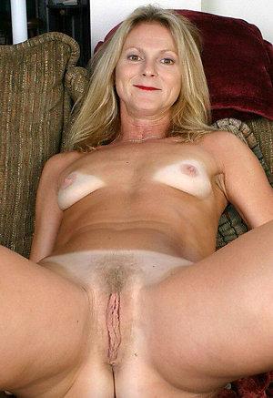 Sweet small tits mature women sex photos