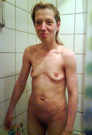 Xxx amateur mature small tits photo