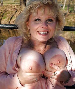 Pretty older womens tits amateur pictures