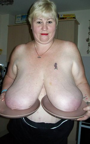 Nude older women with big tits pictures