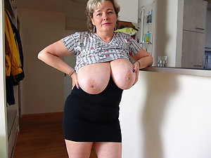 Homemade porn natural mature tits