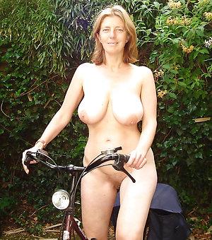 Sweet mature milf tits amateur pics