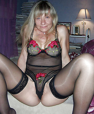 Nasty mature wife in stocking picyures