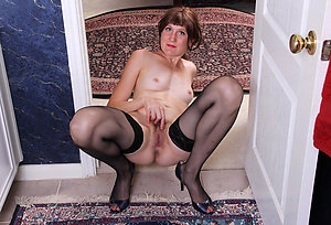 Sweet amateur wife in stockings pics