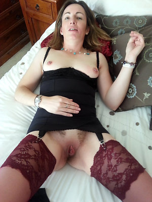 Free pics of hot older wife stockings