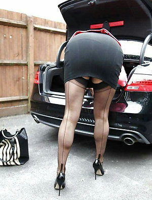 Best pics of older women upskirt