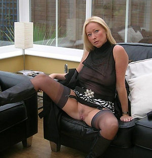 Pretty sexy women upskirt pics
