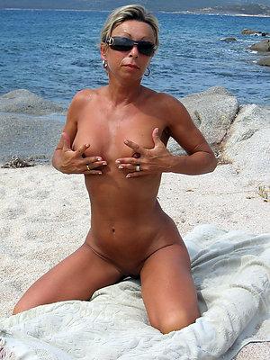 Amateur pics of mature wife porn