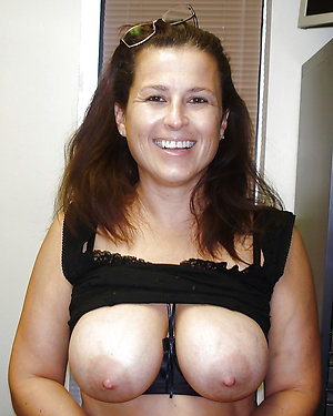 Slutty mature wife fucking pics