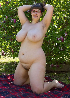 Homemade mature wife pussy pics